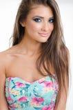 Nahaufnahmeporträt von blonden blauen Augen der jungen Frau des schönen Pinup stockfoto