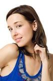 Nahaufnahmeportrait der jungen Frau getrennt auf Weiß Lizenzfreies Stockfoto