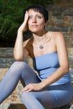 Nahaufnahmeportrait der jungen sinnlichen reizvollen Frau Stockbild