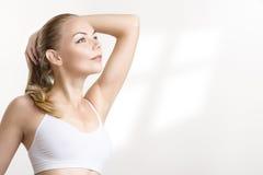 Nahaufnahmeportrait einer athletischen Frau Lizenzfreie Stockbilder