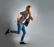 Nahaufnahmeportrait einer glücklichen jungen Geschäftsfrau lizenzfreie stockbilder