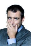 Nahaufnahmeportrait eines nachdenklichen besorgten Geschäftsmannes Lizenzfreie Stockbilder
