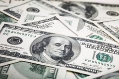 Nahaufnahmeschüsse in der Makrolinse einige hundert Dollar Banknote Stockfotografie