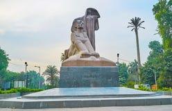 Nahdet Masr雕象,吉萨棉,埃及 免版税库存照片