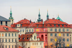 Nahe Ansicht über historische Mitte von Prag und von Clementinum Lizenzfreie Stockfotografie
