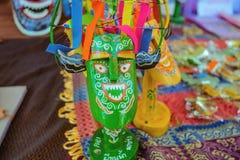 Nahe oben kleine Statue von 'Phi Khn numerisch 'für Verkauf im Thailand-Tourismus-Festival, Bangkok-Stadt lizenzfreie stockbilder
