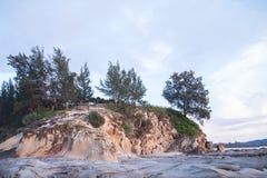 Nahe zu schönem Tipp von Borneo mit blauen Himmeln gestalten Sie, Malaysia landschaftlich lizenzfreies stockfoto