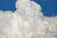 Naher hoher Hintergrund der Wolke Lizenzfreie Stockbilder