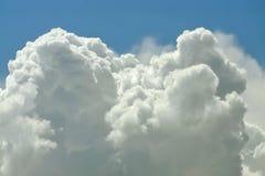 Naher hoher Hintergrund der Wolke Lizenzfreies Stockfoto