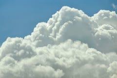 Naher hoher Hintergrund der Wolke Lizenzfreies Stockbild