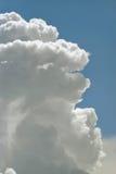 Naher hoher Hintergrund der Wolke Lizenzfreie Stockfotos