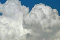 Naher hoher Hintergrund der Wolke Lizenzfreie Stockfotografie