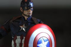 Naher hoher Schuss von Kapitän America, Bürgerkrieg superheros Zahl lizenzfreie stockfotografie