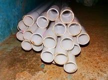 Naher hoher Schuss von PVC-Rohren stockfotos