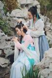 Nahes Freundinnen bestie im chinesischen traditionellen alten Kostüm Lizenzfreie Stockbilder