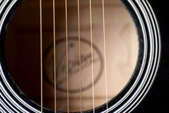 Nahes hohes der Gitarre Stockbild
