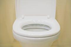 Nahes hohes der Toilette Stockfoto