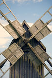 Nahes hohes der Windmühle Stockfoto