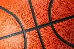 Nahes hohes des Basketballs Stockfotos