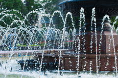 Nahes hohes des Brunnens Stockfotografie