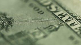 Nahes hohes des Dollars Motto auf geld- im Gott, den wir vertrauen stock footage