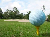 Nahes hohes des Golfballs Stockfoto