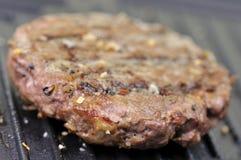 Nahes hohes des Hamburgers Stockbild
