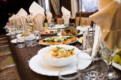 Nahrung auf der Tabelle Lizenzfreie Stockbilder
