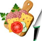 Nahrung auf einem Ausschnittvorstand Stockfotos