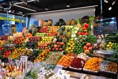Nahrungsmittelmarkt in Barcelona Lizenzfreie Stockfotos