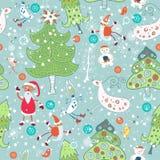 Nahtlos mit Santa Claus- und Weihnachtsbäumen Lizenzfreie Stockfotos