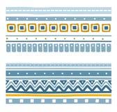 Nahtlose geometrische ethnische Streifen mit Quadraten, Dreiecken und Zickzacken Lizenzfreies Stockfoto