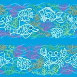 Nahtlose Grenze des Gekritzels Fische, Meerespflanzen, Luftblasen Lizenzfreies Stockfoto