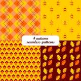 4 nahtlose Muster des unterschiedlichen Herbstfalles (Tiling), Rechteck und Blumenform Stockfoto