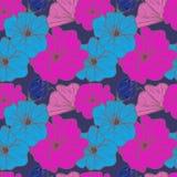 Nahtlose Zusammensetzung der Blumenzusammensetzung auf einem blauen Hintergrund Stockfotos