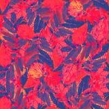 Nahtloser Blumenmusterherbstlaub Lizenzfreie Stockfotos