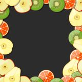 Nahtloser Fruchtrahmen Zitrone, Kalk, Orange, Tangerine, Pfirsich, Aprikose, Birne, Avocado, Apfel, Kiwi Auch im corel abgehobene Lizenzfreie Stockfotos