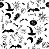 Nahtloser Gekritzelhalloween-Illustrationshintergrund mit Schlägern, Mond, Stern, Buh, Spinne, Netz, Knochen stockfotografie