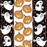Nahtloser Hintergrund Halloweens mit Geistern und Kürbisen Lizenzfreies Stockbild