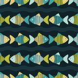 Nahtloser Hintergrund mit dekorativen Fischen Gekritzelbeschaffenheit Lizenzfreies Stockfoto