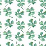 Nahtloser Musteraquarellklee Vektor-St. Patrick Day shamrock Lizenzfreies Stockfoto