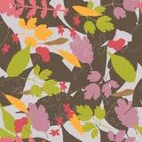 Nahtloser natürlicher Hintergrund mit verschiedenen Blättern Stockfotografie