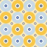 Nahtloses abstraktes Muster mit den weißen und grau-blauen Kreisen auf einem hellgelben Hintergrund Lizenzfreie Stockfotografie