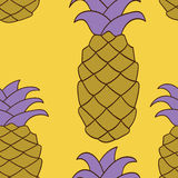 Nahtloses Ananas-Muster Auch im corel abgehobenen Betrag Stockbilder