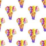 Nahtloses Aquarellmuster des bunten Elefanten in den verschiedenen Regenbogenfarben Neonsäugetiere wiederholten im weißen Hinterg vektor abbildung