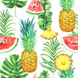Nahtloses Aquarellmuster mit Ananas, Wassermelonen und tropischen Blättern auf weißem Hintergrund Stockfotografie