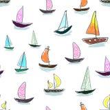 Nahtloses Baby scherzt Muster Hand, die bunten Yachtvektor zeichnet Viele kleinen farbigen Segelboote auf weißem Hintergrund Stockfotografie