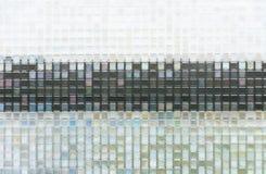 Nahtloses blaues Glas deckt Beschaffenheitshintergrund mit Ziegeln Lizenzfreie Stockbilder
