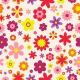 Nahtloses Blumenmuster Bunte Blumenbeschaffenheit Flache Art der Blumen Auch im corel abgehobenen Betrag Lizenzfreie Stockfotografie