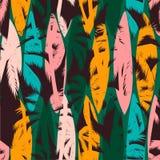 Nahtloses exotisches Muster mit tropischen Palmen und künstlerischem Hintergrund Lizenzfreies Stockfoto